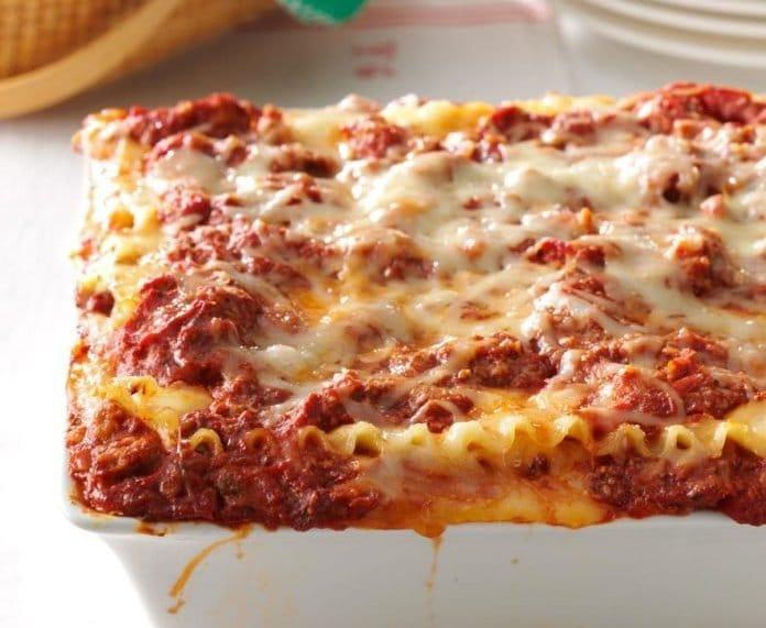 lasagna bolognese cu carne de vita si carnati